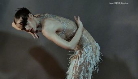 经典时尚大片 超模变身优雅天鹅