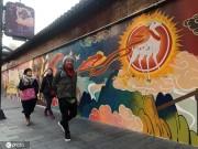 """上海豫园200米国产动漫涂鸦墙变身""""打卡圣地"""""""