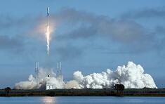 "SpaceX发射第五批""星链""卫星"
