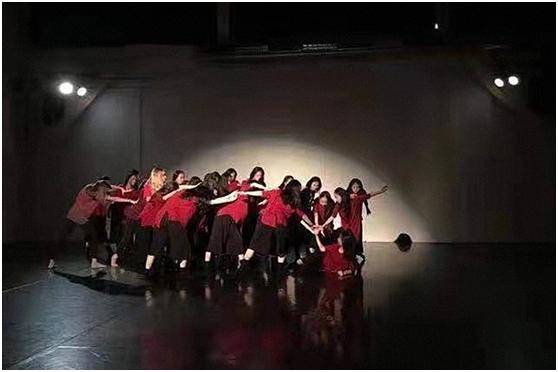 美方奥学生艺术团联袂打造动人舞剧