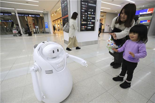 2020年东京奥运会将至机器人MORK亮相羽田机场