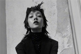 郭采洁六月时尚大片 未来感造型更炫酷!