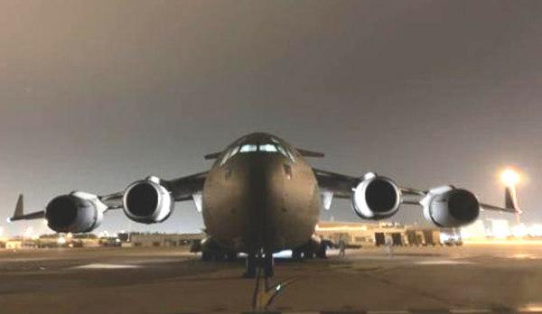 印度空军最大运输机向武汉运送医疗物资