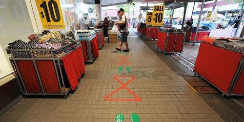 """新加坡防疫:保持""""社交距离"""""""