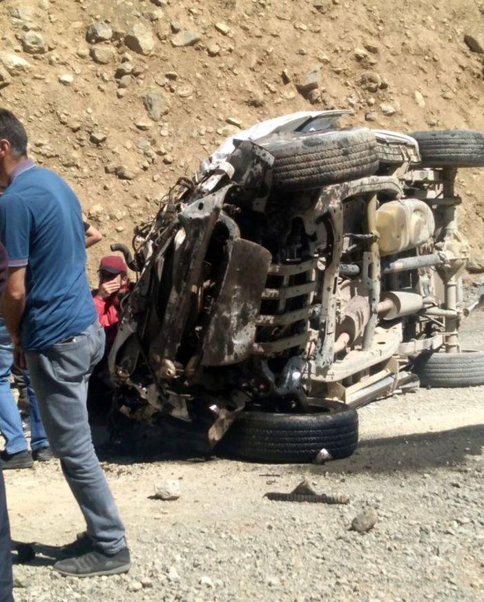 邯郸旅游景点:土耳其哈卡里省一迷你巴士坠崖 致6死1伤 第2张