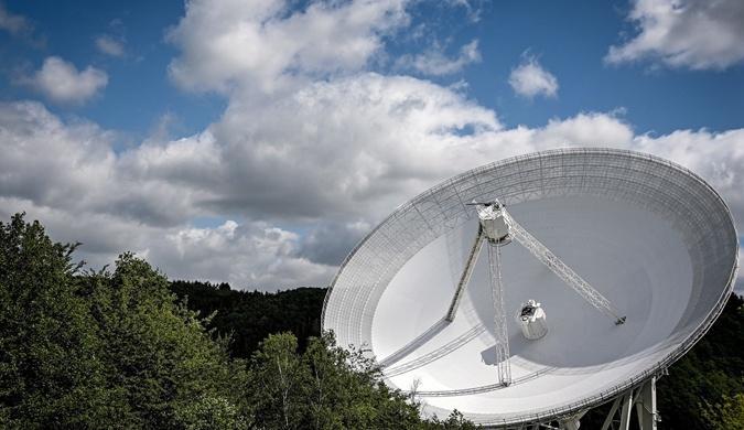 德国埃费尔斯贝格射电望远镜