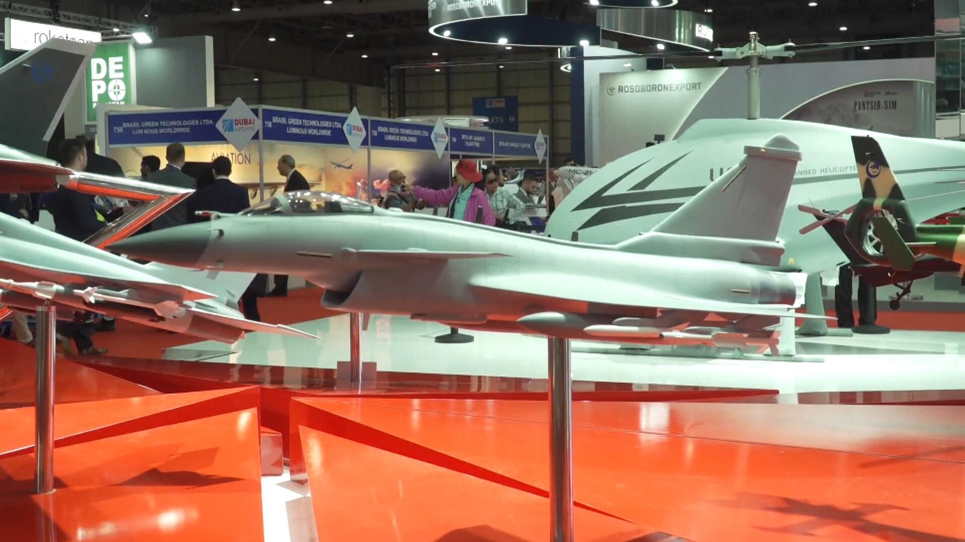 歼10CE首次亮相!看迪拜航展中国带来哪些装备