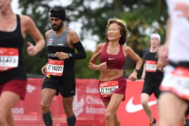 71岁韩裔奶奶再破世界纪录 柏马324完赛配速452