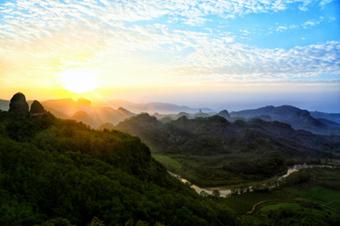 武夷山白云岩:秀山明涧中的云间日出与自在茶香