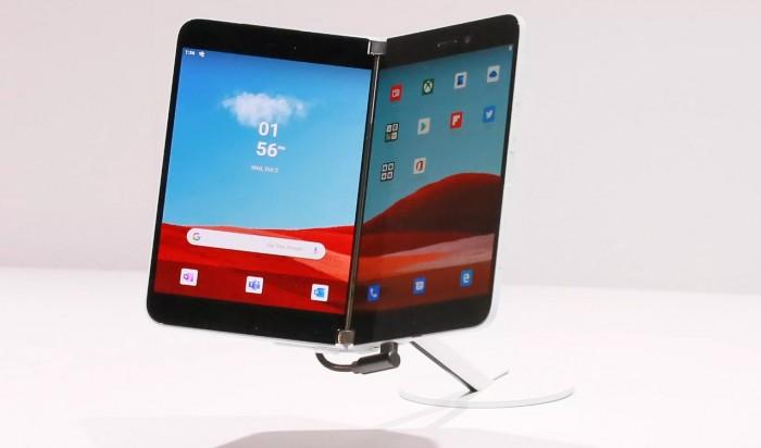 微软双屏Surface Duo设备运行Android系统