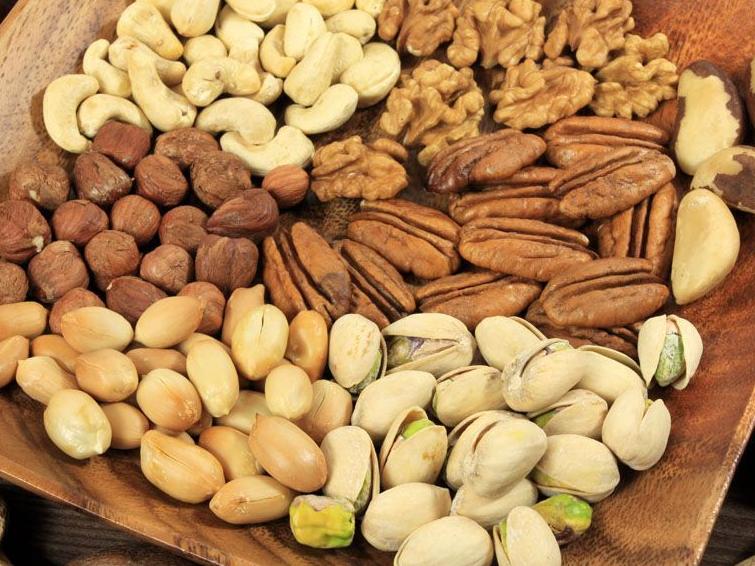 减肥嘴馋怎么办?研究表明吃坚果类零食不会发胖