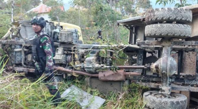 allbet网址:印尼巴布亚一军用卡车因刹车失灵出事故 两名士兵殒命 第1张