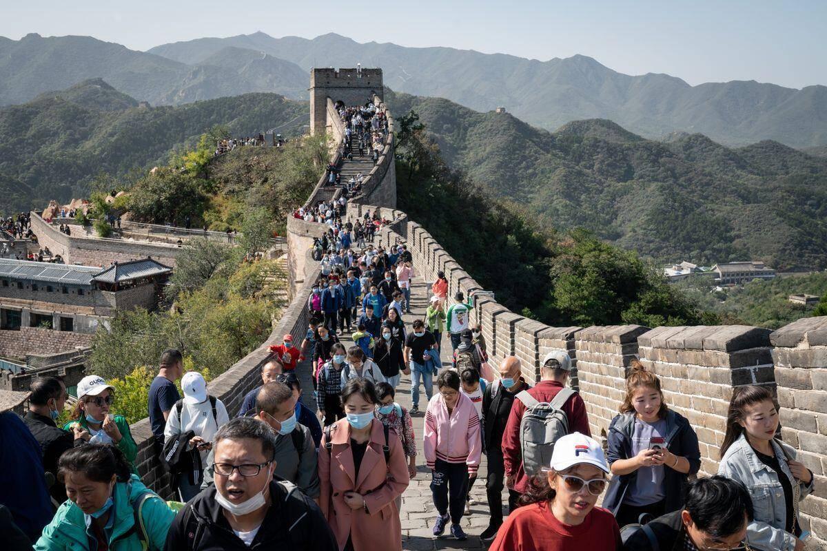 美媒眼中的十一黄金周:近5亿人次出游展示了中国经济正走出新冠疫情 第1张