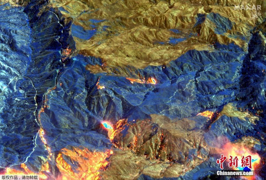 卫星航拍美国加州山猫野火 山脉连片烧成灰烬