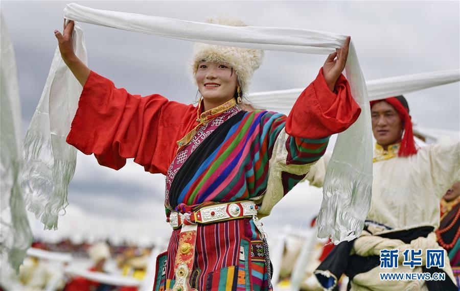 2020年那曲羌塘恰青格萨尔赛马艺术节开幕