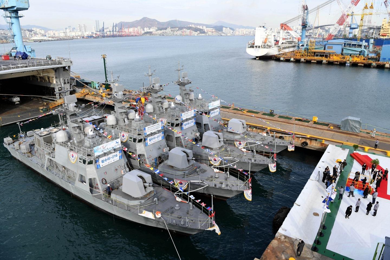 """韩国海军也来""""下饺子""""一次服役四艘战舰"""