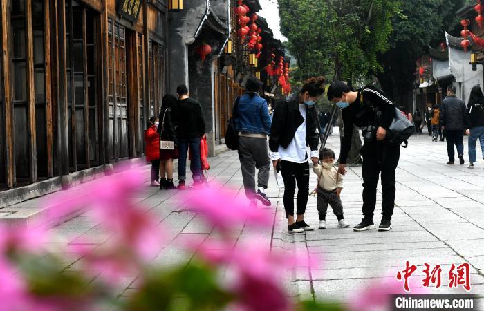 福州:清明踏青赏花享春光
