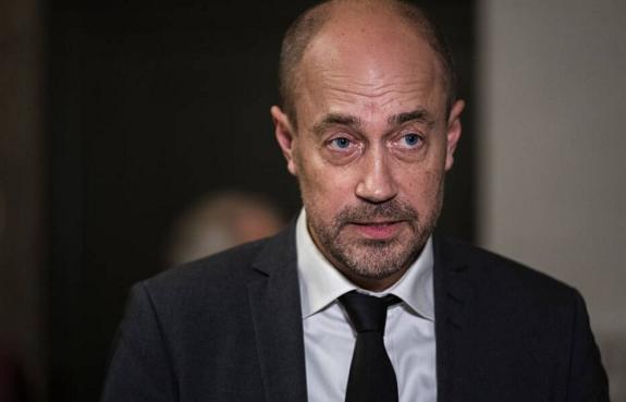 因家中有人熏染新冠病毒 丹麦卫生大臣举行自我隔离 第1张