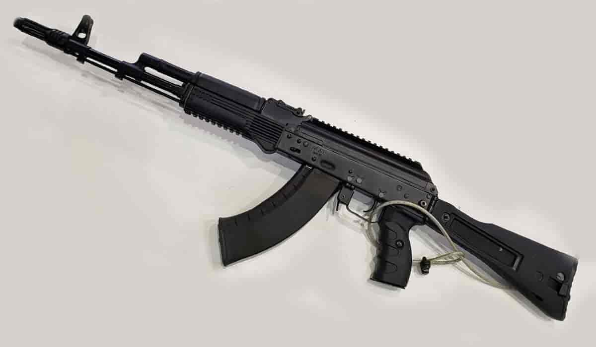 印度副防长访问俄罗斯 推进在印度大批量生产AK203突击步枪