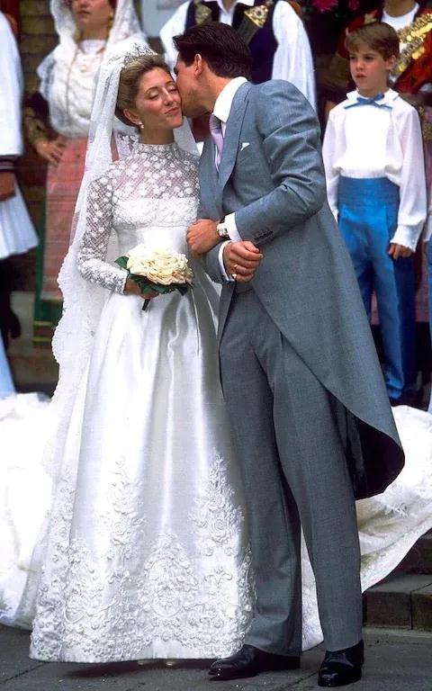 在人生中最美的时刻她们穿的都是Valentino