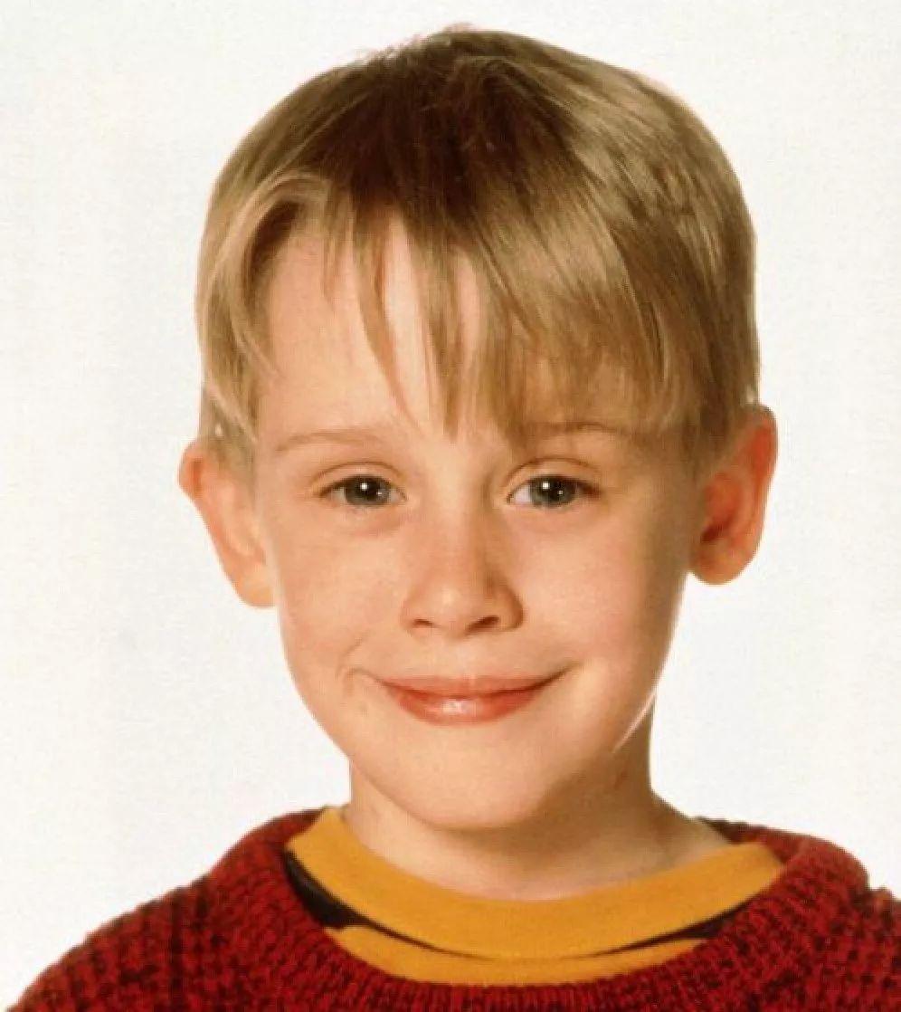 《小鬼当家》中的小鬼扮演者麦考利·卡尔金引推特网友热议,只因发了张照片 第15张