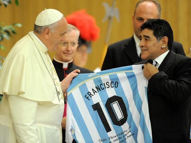 """allbet币游:教皇为阿根廷老乡马拉多纳祈祷 赞其为""""足球诗人"""""""