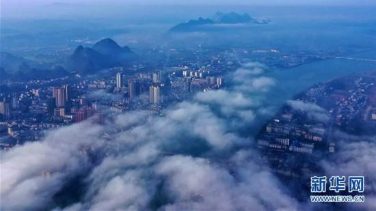 广西融安:平流雾景美如画