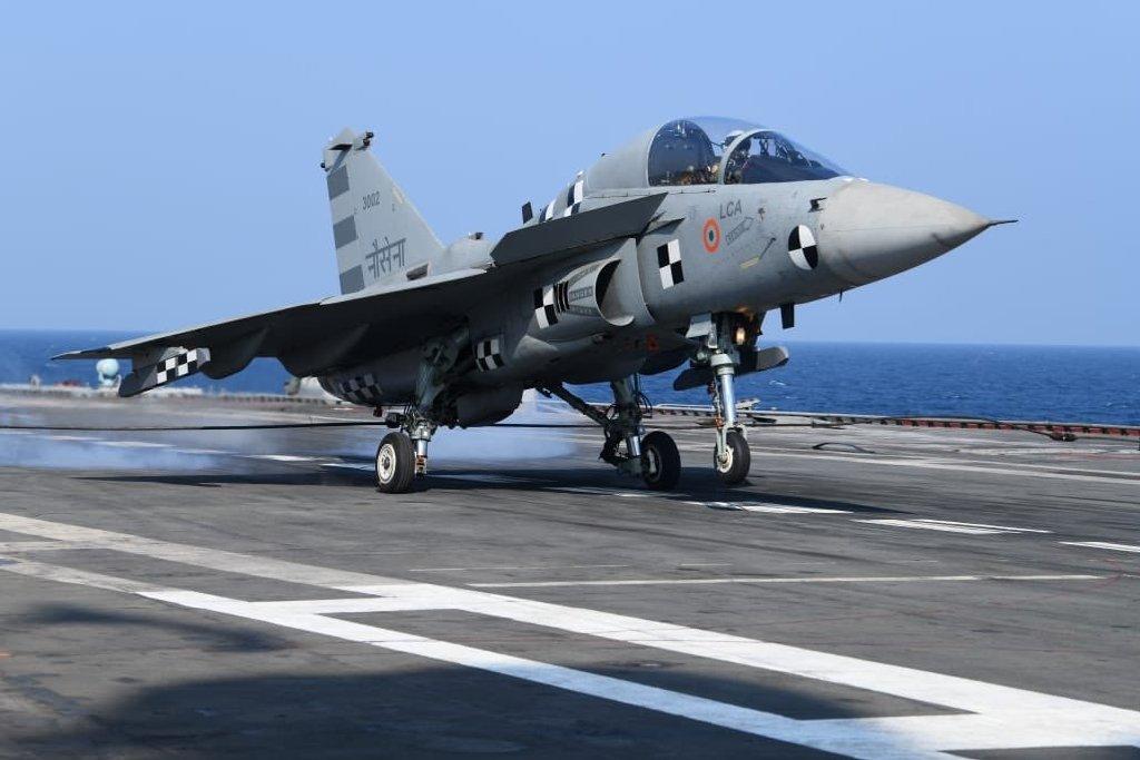 印度欢呼光辉舰载机成功降落航母该机却很可能无法列装