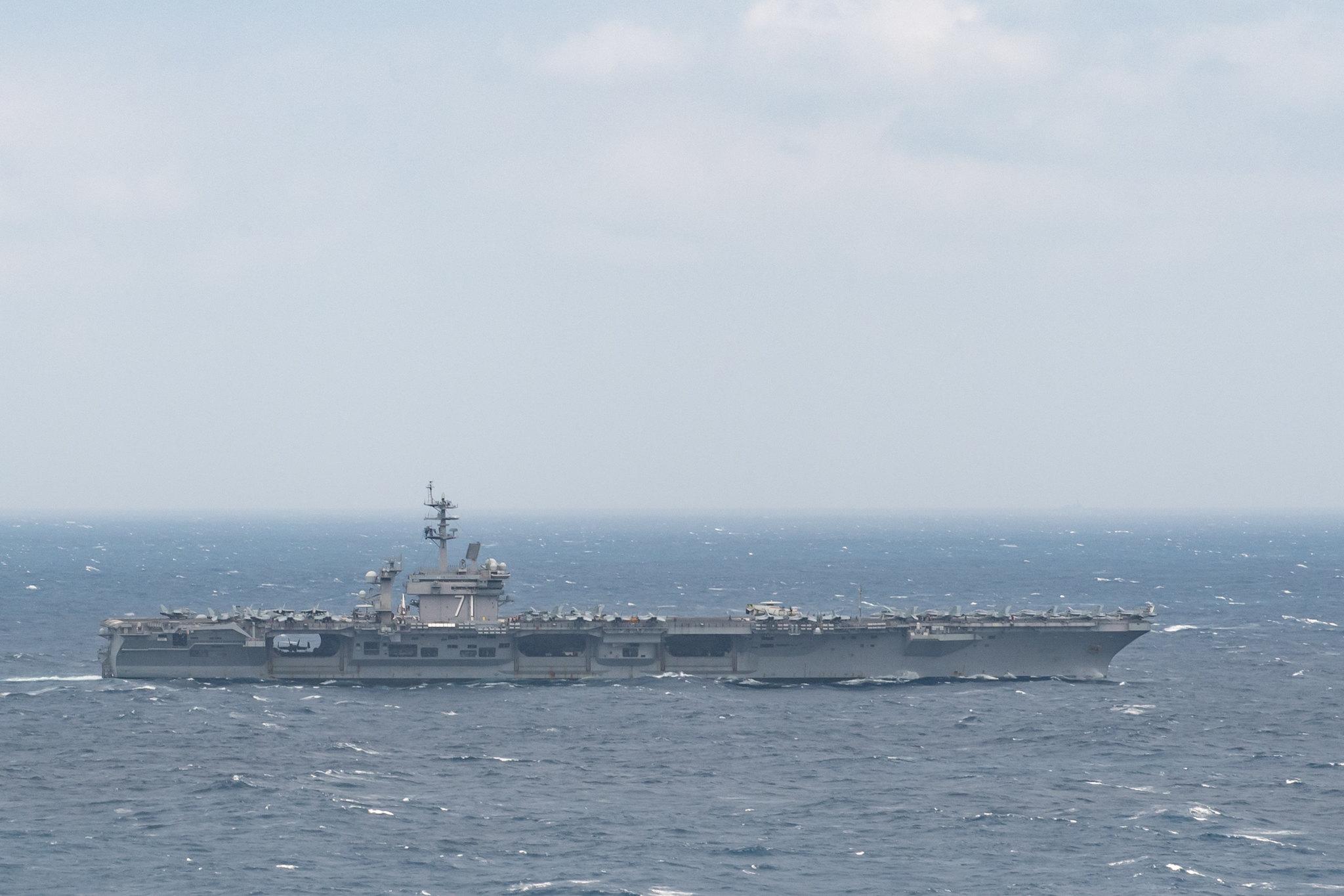 担心舰上病毒爆发美军新冠检测部队紧急登上闯南海航母