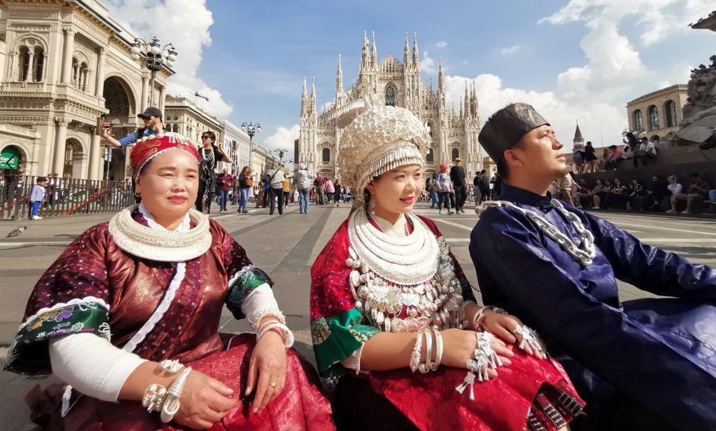 从黔东南到意大利 古阿新海外巡展亮相时尚之都米兰