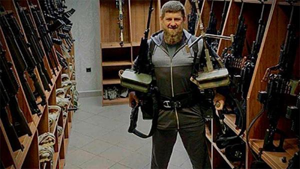 """欧博会员开户:被美列入黑名单,车臣总统手持机枪喊话""""来战斗吧,蓬佩奥"""""""