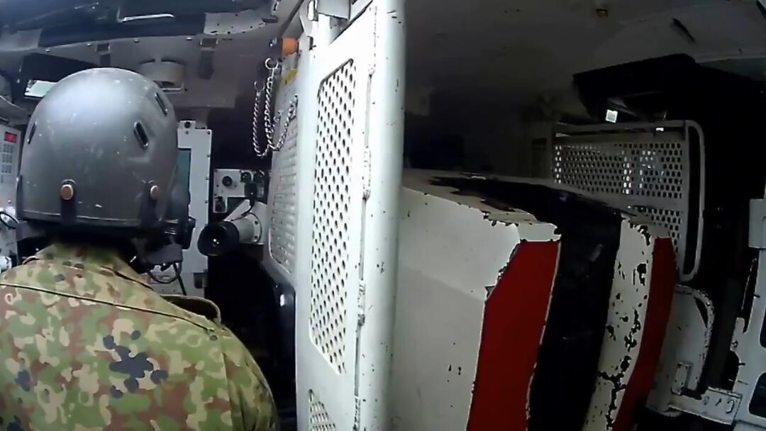日本首次公开10式主战坦克内部画面自动装弹机曝光