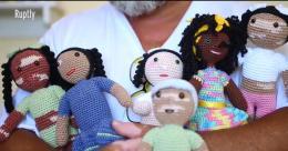 """巴西男子编织""""白癜风""""玩偶安慰患病儿童大受欢迎"""