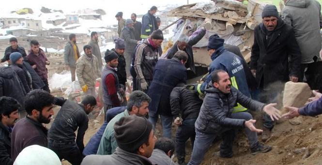 土伊边境发生强震 村庄房屋坍塌村民废墟中自救