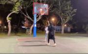 周杰伦带昆凌打篮球 见老婆替别人加油直呼吃醋