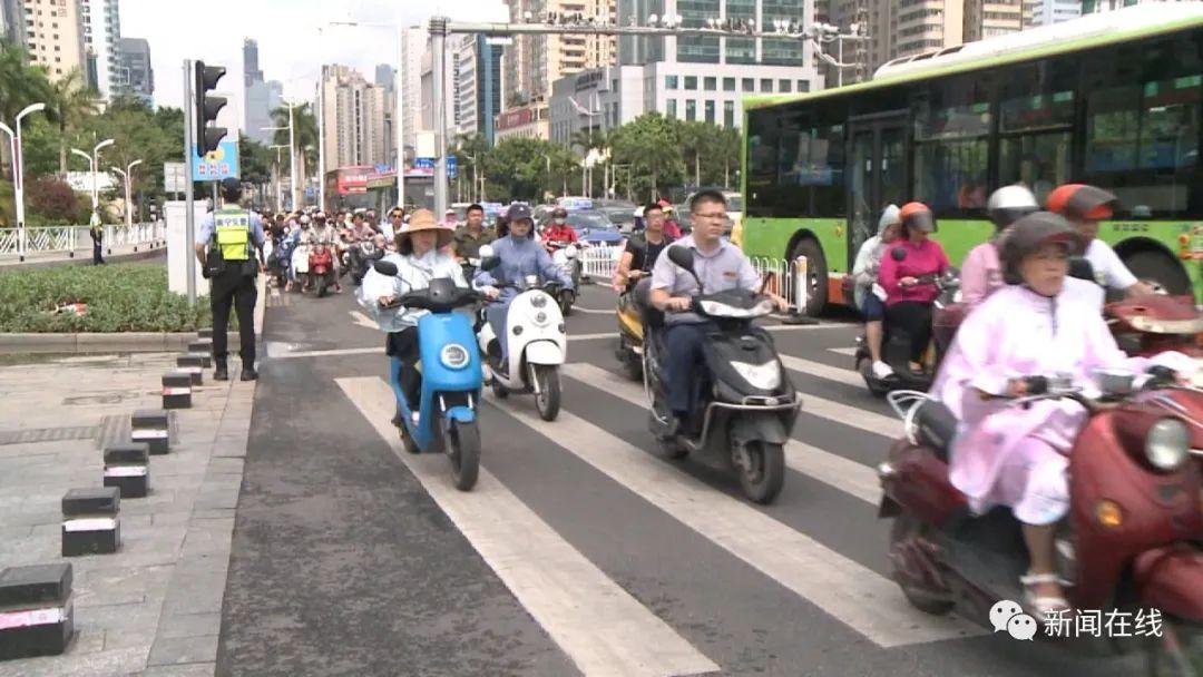 真的來了!9月1日起,廣西這個城市騎綠牌電動車不戴頭盔罰款20元