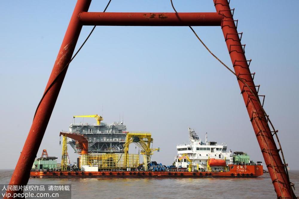 岱山海上风电场220千伏海缆顺利敷设完成