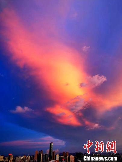 台风来临前 福州晚霞美如画
