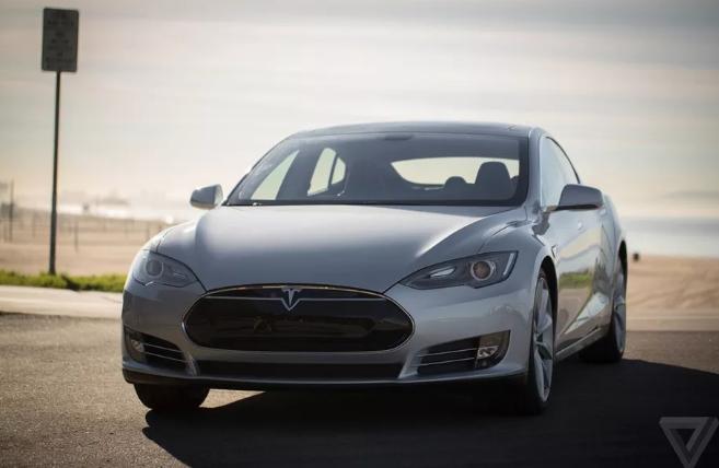 报道称特斯拉早期出货的Model S的电池组存在漏电问题