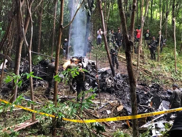 菲律宾南部一架直升飞机坠毁 4名武士殒命 第2张