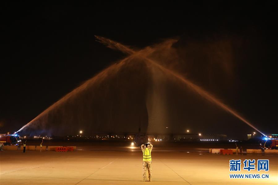 中国红十字会援助伊拉克第二批防疫物资运抵巴格达