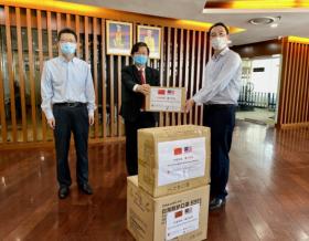 中建八局金晶科技玻璃项目向马来西亚当地捐赠防疫物资