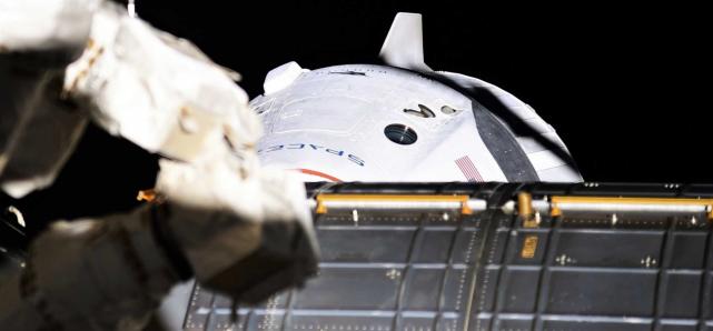 大发888真人:NASA宇航员设计于8月1日再次乘坐载人龙飞船返回地球