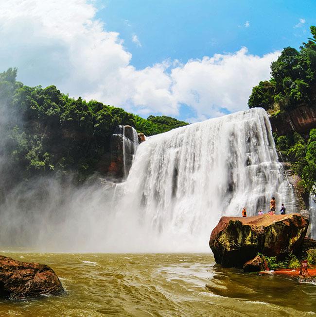 赤水丹霞旅游区:景色壮美 让人流连忘返