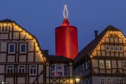 """世界最大""""圣诞蜡烛"""""""