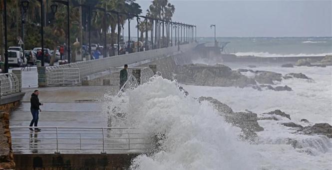 黎巴嫩遭新一轮暴风雨雪天气袭击