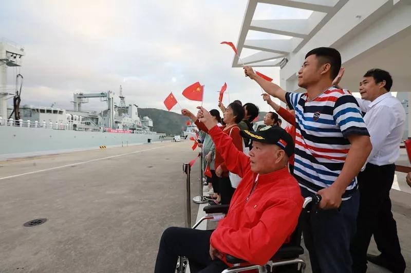 海军第34批护航编队起航 052D银川舰首次执行护航任务