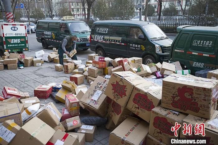 國家郵政局:全國400萬快遞小哥無一例因工作感染新冠病毒