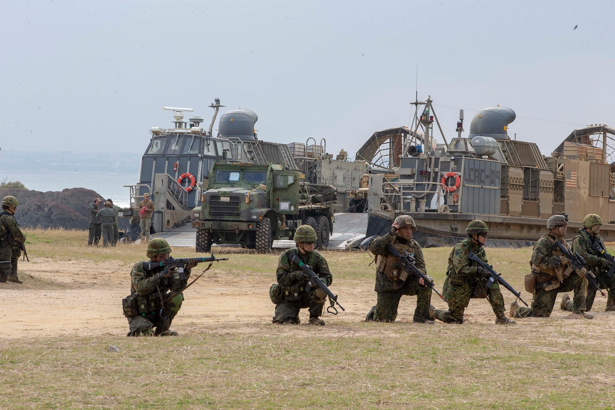 """日本""""水陆机动团""""首次在冲绳训练与美军并肩作战"""