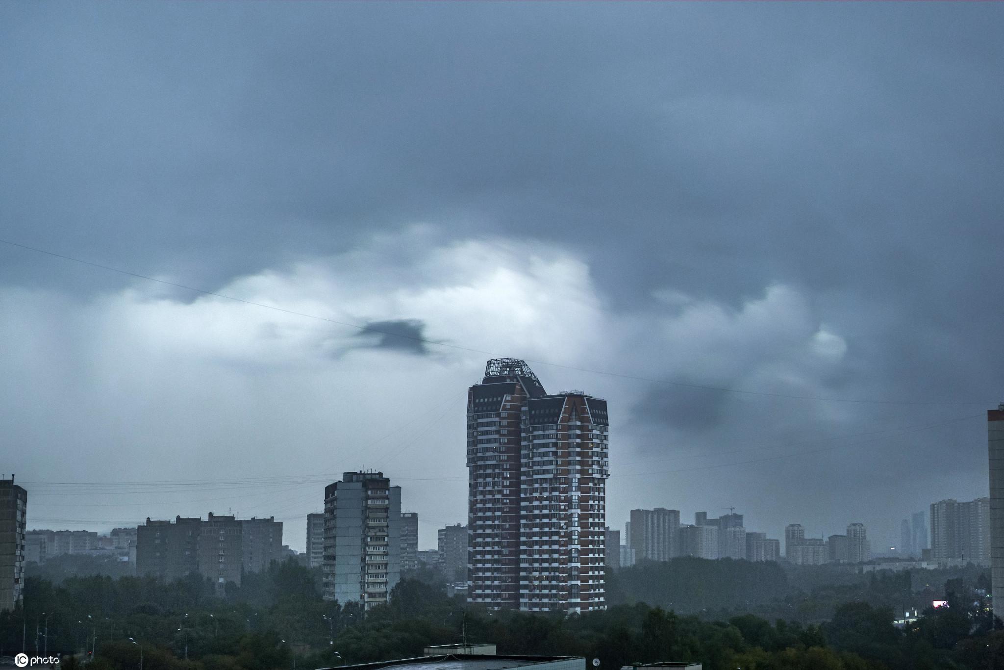 俄罗斯莫斯科黑云压城风雨欲来?大片既视感